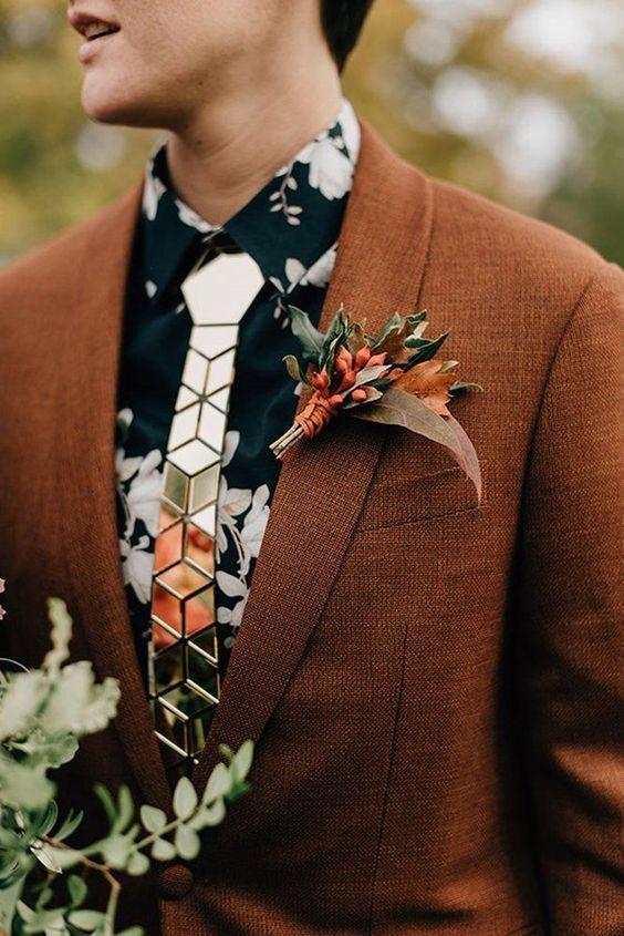 Mẫu hoa cài áo vest cưới nam