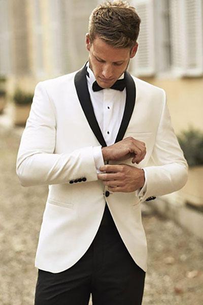 Tuxedo ve áo đen