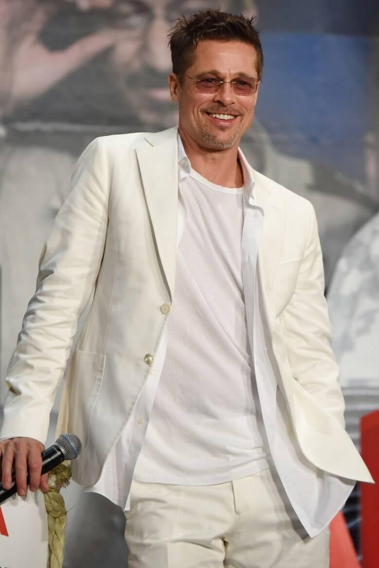 Vest trắng nam cùng áo phông