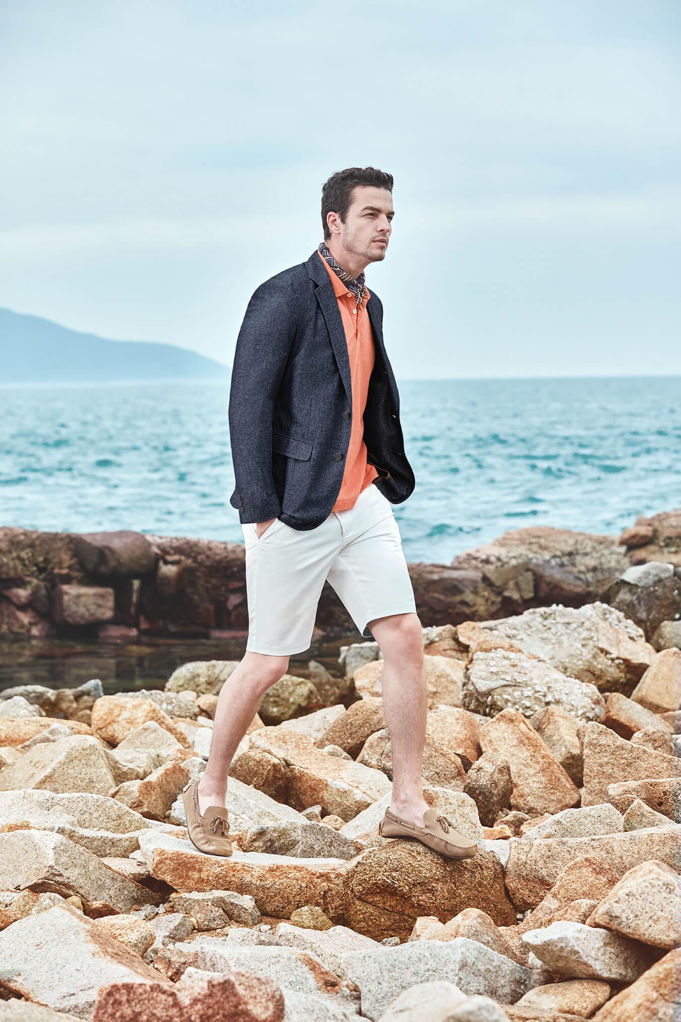 Áo khoác blazer phối cùng quần short