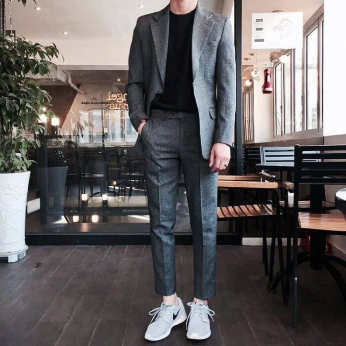 vest kết hợp giày thể thao