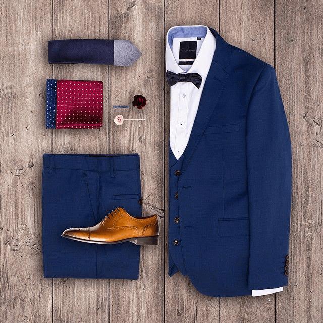 Mẫu suit màu xanh cổ điển