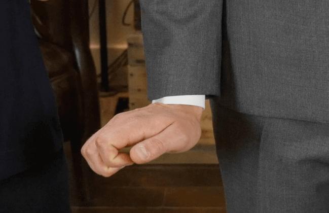 Chiều dài tay áo khoác blazer nam