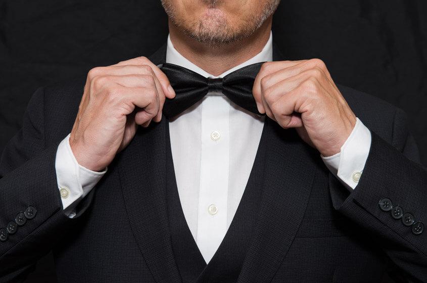 Chọn phụ kiện phù hợp với áo vest nam cưới