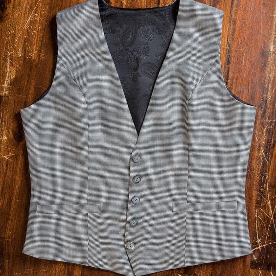 Áo vest nam - Item không thể thiếu trong tủ quần áo mùa hè