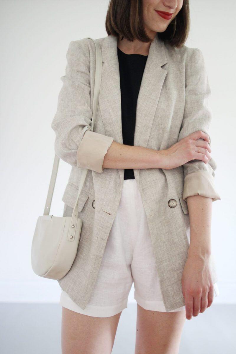 kiểu đồ comple nữ: áo vest bằng vải lanh