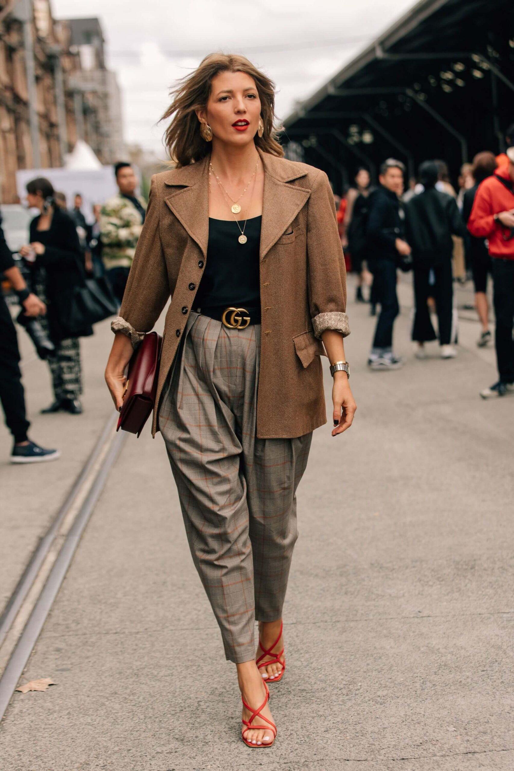 Các kiểu đồ Comple nữ dành cho người có thân hình đẫy đà